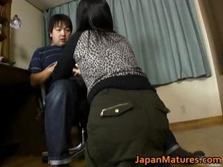 japanese milf likes masturbation part3