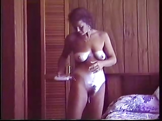spying grown-up with sweet tanlines wile she