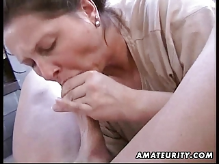 plump amateur wife cock sucking and gang bang