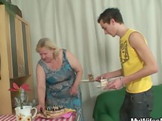 housewife comes into while her huge woman drives