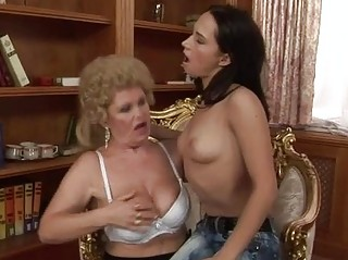 old and amateur having homosexual woman fuck