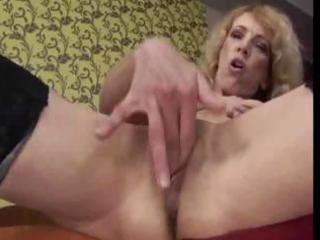 elderly fisted by amateur