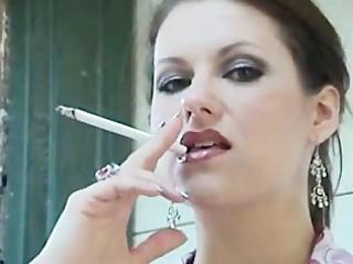 sexy mature babe smoke 120s