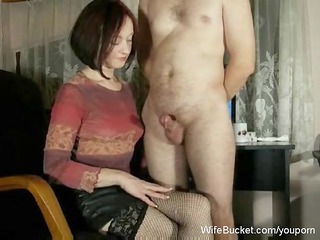 cougar babe chick gives mean handjobs