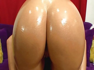 hot and naughty milf demonstrates her booty anal