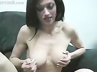 milf dillan lauren gives a sloppy blow jay