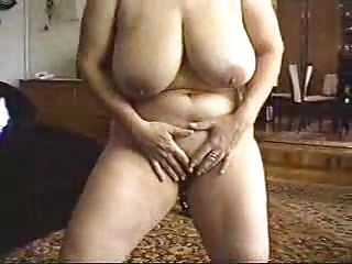 lady get nude performance and sex.