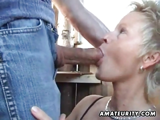 cougar fresh housewife sucks and bangs open-air