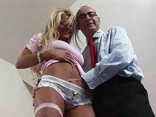 blonde american milf seduced for some drilling