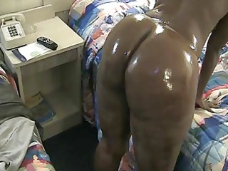fat ebony chick shaking her anal