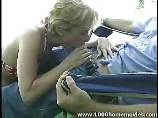 amateur mature babe giving cock sucking outside