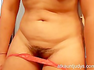 grown-up secretary mila shows her pussy and tits