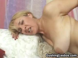 mature on fresh lesbo duo fuck vibrator drilling
