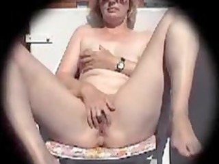 pale caroline fingering inside the backyard