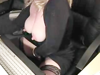 bleached girl masturbates on webcam