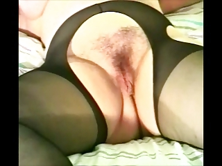 granny hirsute expose stockings