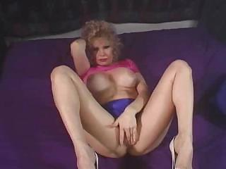 older babe still wants to have that cumshots all