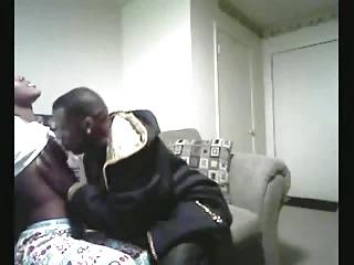 women boyfriend visits daughter