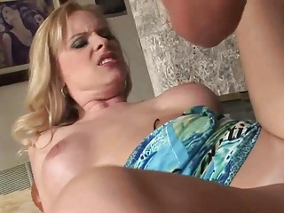 horny milf pale older gives amazing head