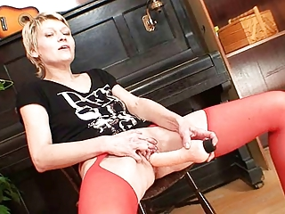 bleached woman inside yellow nylons desperate